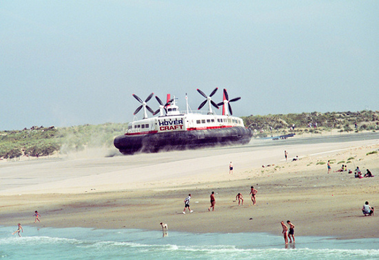 the-princess-margaret-srn4-hover-craft-on-the-beach-at-calais