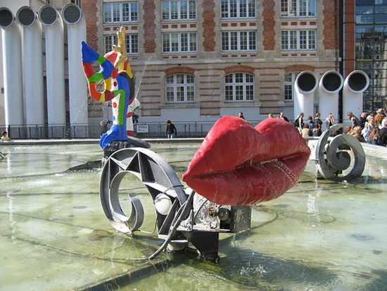 fountains at the centre pompidou
