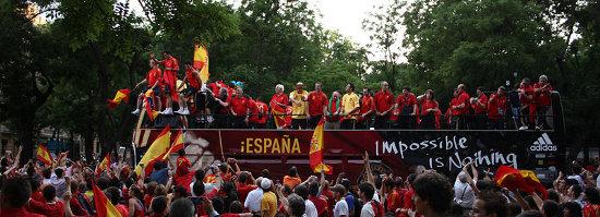 Spain-celebrating-Euro-2008